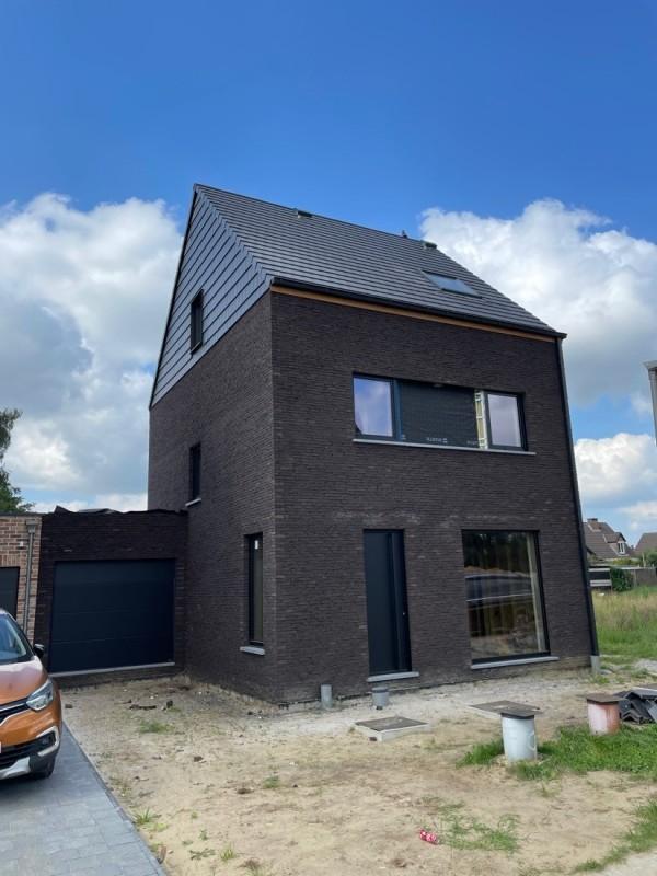 Foto Moderne woning in opbouw Stabroek